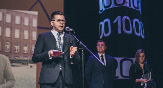 MTV žiniose ir apie Lietuvos Metų Gimnazijos direktorių